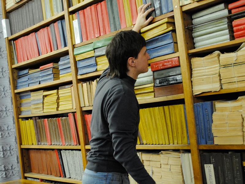 Запись студентов 1 курса в библиотеку СПбПУ